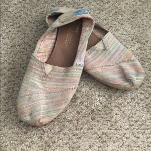 W8.5 colorful Toms